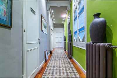 Huge apartment in one of the most popular streets of Barcelona